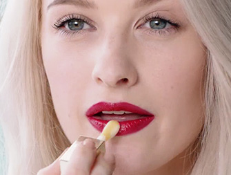 How to achieve beautiful lips with Lip Comfort Oil